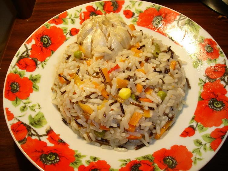 Постный плов с диким рисом и овощами