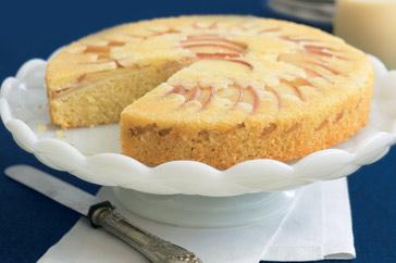 Пирог с миндалём и яблоками