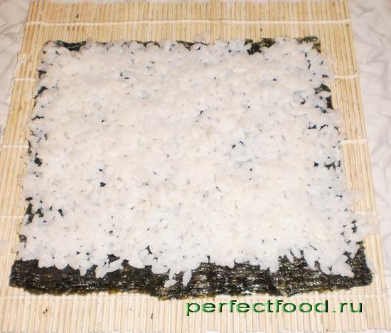 Рис на пластинке нори