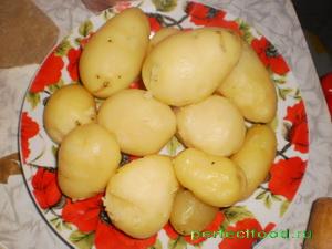 Очищенный отварной картофель
