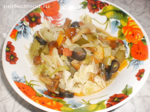 Солянка из капусты с грибами