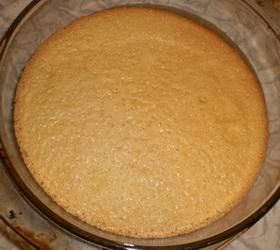 Бисквит для клубничного торта