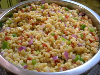 Быстрый салат с кукурузой и овощами