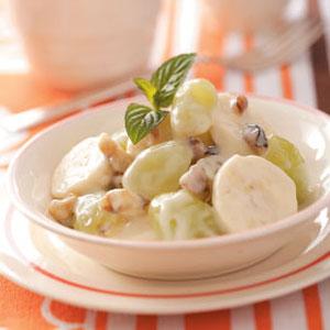 Вкусный салат с виноградом