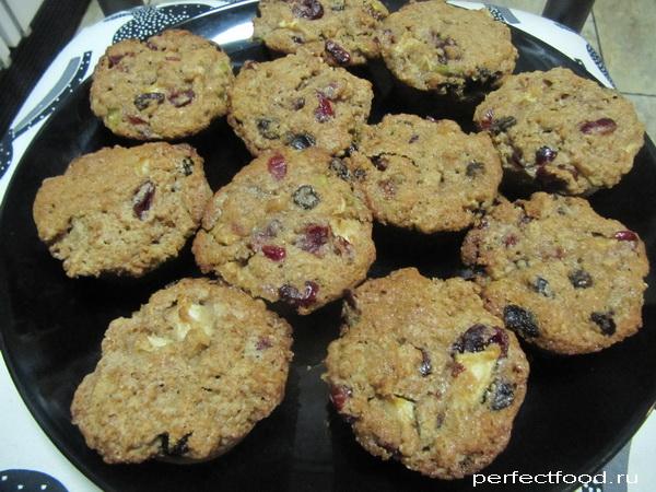 Питательное полезное печенье с мёдом и сухофруктами