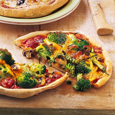Вкусная итальянская пицца Примавера