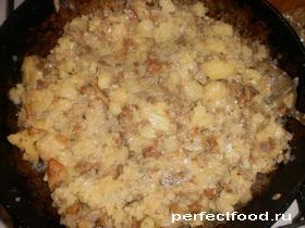 Картофельное пюре с грибами и луком