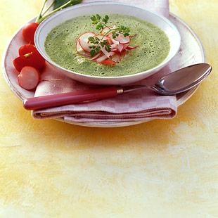 Холодный огуречный суп с редиской