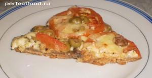 Вкусная пицца с грибами и пикантным чесночным соусом
