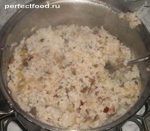 Смешать рис с грибами