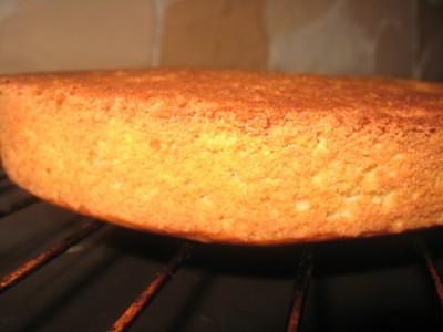 Как приготовить постный бисквит без яиц и молока