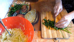 Пошаговое фото к рецепту оладий из кабачков 3.