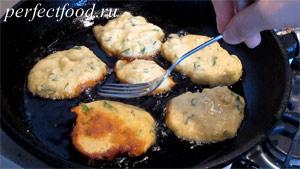 Пошаговое фото к рецепту оладий из кабачков 7.