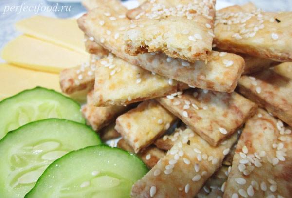 Сырное печенье-палочки — видео-рецепт