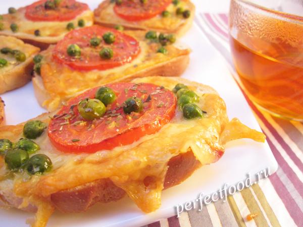 Приготовление горячих бутебродов с сыром в аэрогриле - рецепт с фото