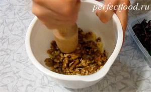 Как приготовить соус песто с фиолетовым базиликом. Фото 3