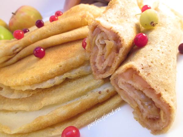 Блины на воде тонкие с начинкой из яблок - рецепт