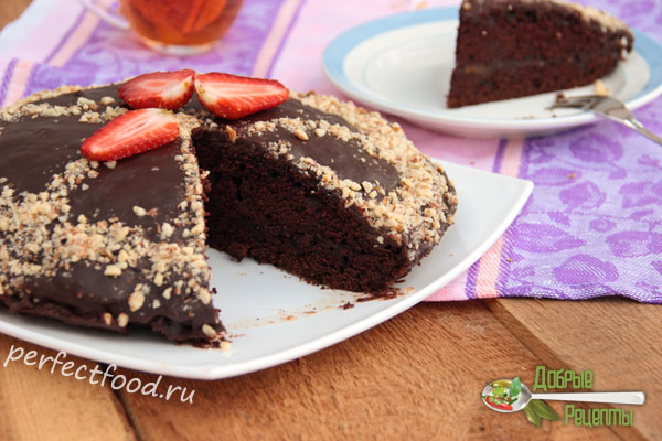 Vegan chocolate cake with almonds and strawberry, without eggs and milk