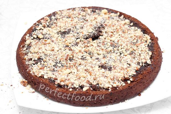 shokoladny-tort-s-orehami-bez-yaic-foto-4