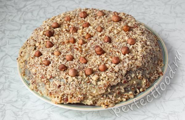 shokoladny-tort-s-orehami-bez-yaic-foto