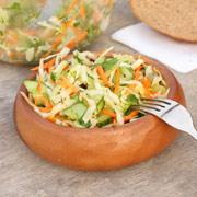 Салат из кабачков и капусты — рецепт с фото
