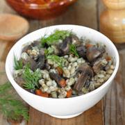 Перловка с грибами в горшочках — рецепт с фото и видео