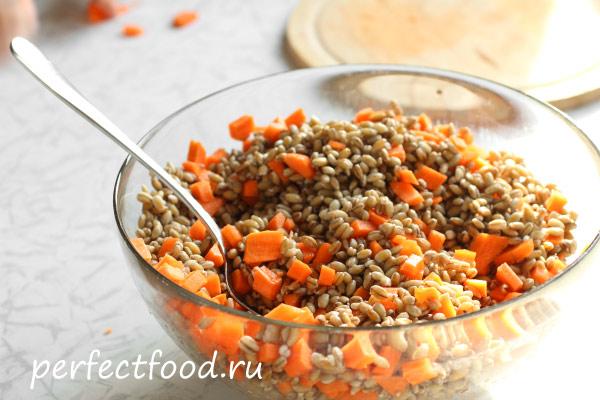 Перловка, смешанная с морковью
