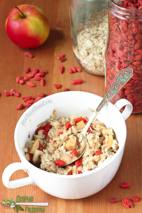 Овсяная каша с ягодами годжи - рецепт фото