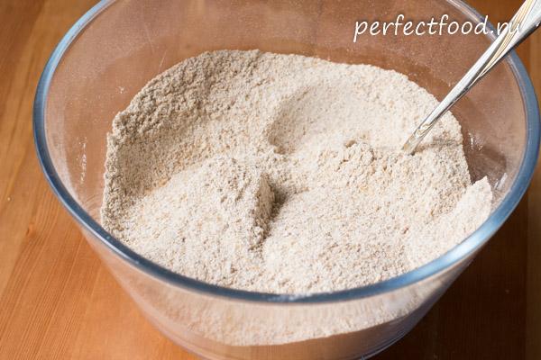 Как сделать пирог со смородиной и яблоками - готовим с фото03