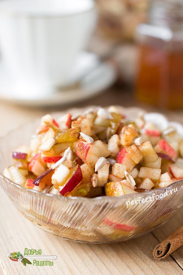 Фруктовый салат из яблок и груш