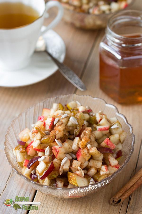 Фруктовый салат для детей из яблок и груш - фото