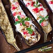 Запечённые лодочки из баклажанов в духовке, с соусом — рецепт с фото и видео