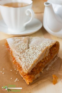 Вегетарианский пирог с капустой на творожном тесте - рецепт с фото