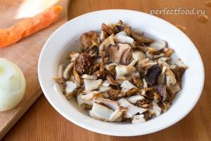 Сушёные грибы, залитые кипятком