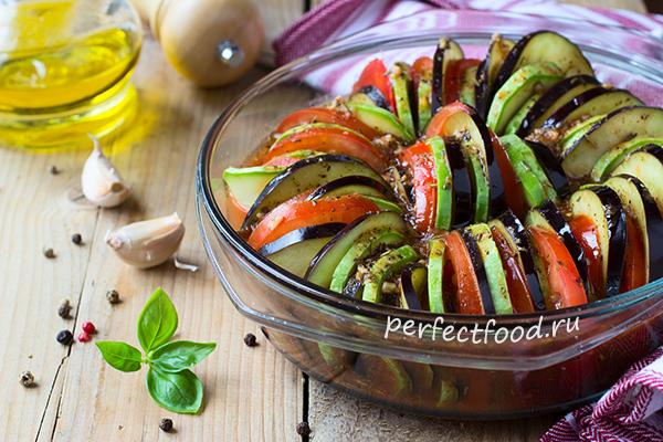 Как приготовить рататуй: овощи в форме для запекания