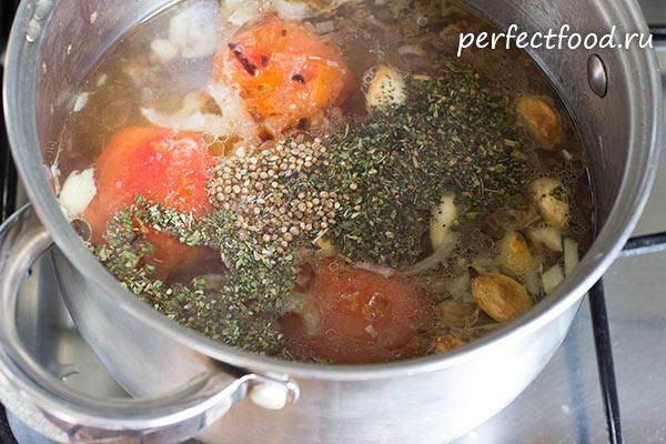 tomatno-chesnochnij-sup-s-risom-recept-foto-3