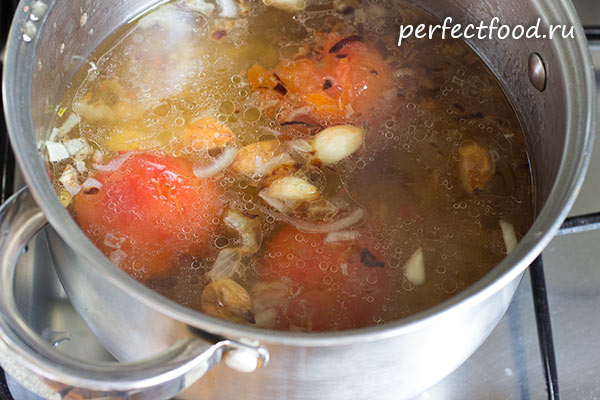 tomatny-sup-s-chesnokom-risom-recept-foto-2