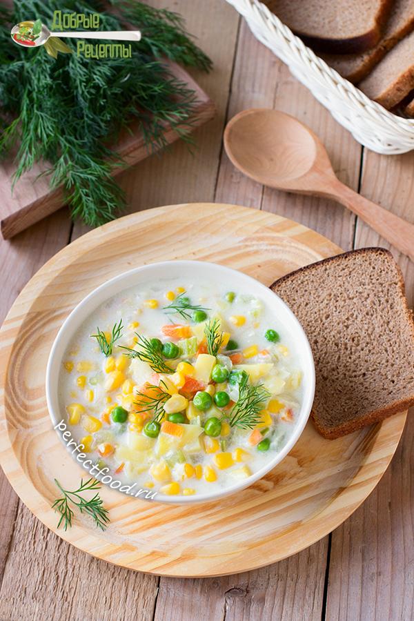 Молочный суп с кукурузой и горошком