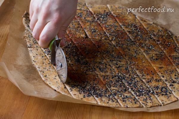 Солёные крекеры со специями - фото