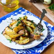 Запечённая в духовке картошка со специями. Рецепт с фото и видео