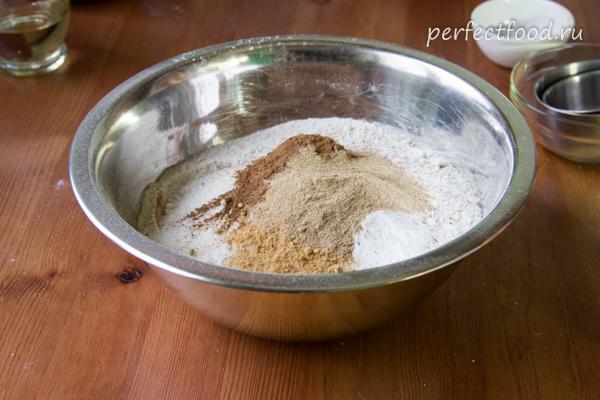 Печенье с повидлом - сухие продукты в миске