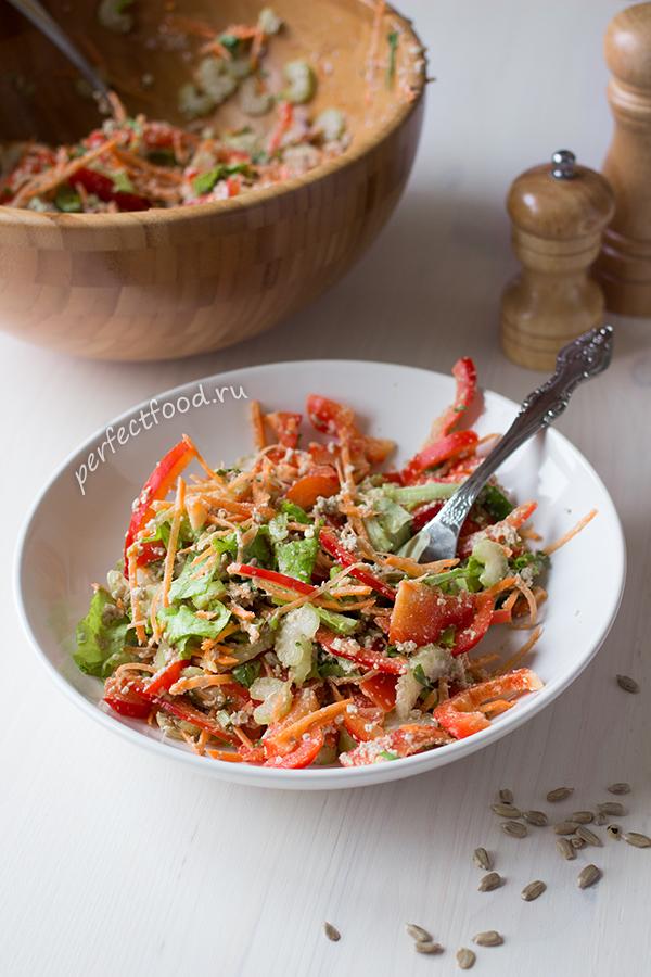 salat-iz-ovoshcej-s-semechkami-recept-1