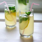 Как сделать полезный домашний лимонад с мятой