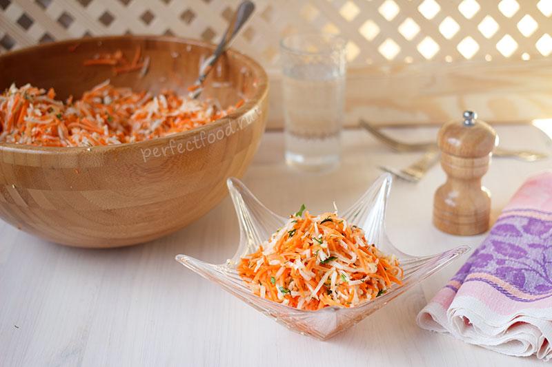 Салат из редьки дайкон с морковью