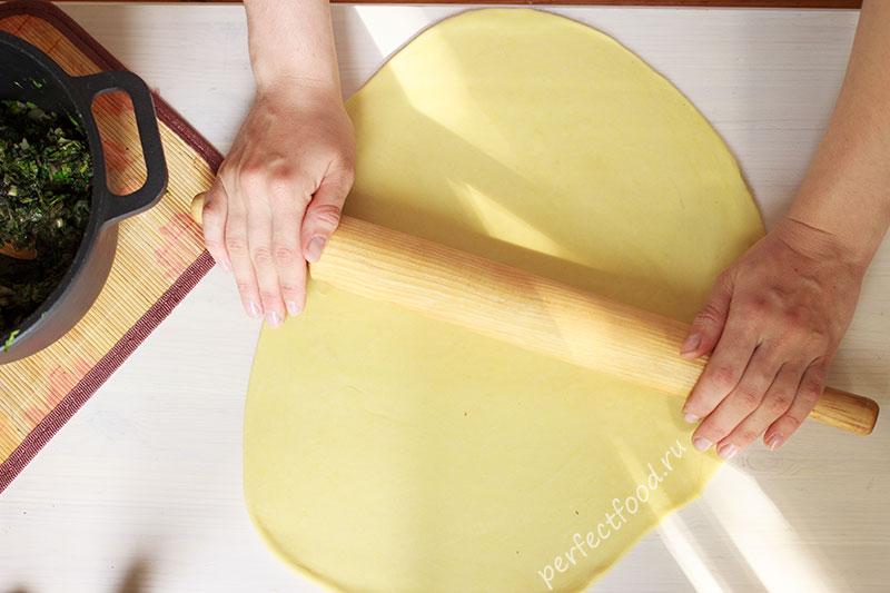 Тонко раскатанное тесто для равиоли